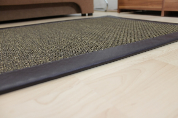 sisal teppich braun 70 x 135 cm mit kunst leder einfassung braun sopo41. Black Bedroom Furniture Sets. Home Design Ideas